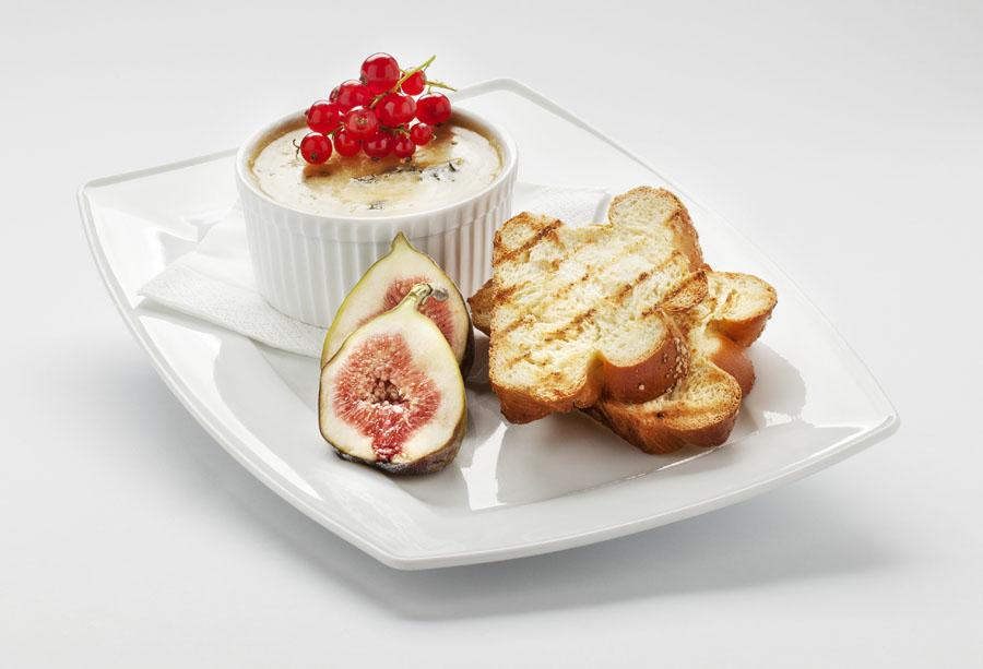 Książka kucharska 'Blu Mood Food' od hotelu Radisson Blu Kraków