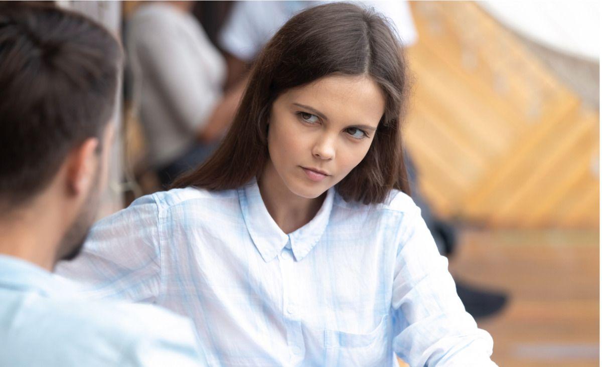 Flirt to aluzja, niedomówienie, niewypowiedziana i niespełniona obietnica, która przyspiesza rytm serca (Fot. iStock)
