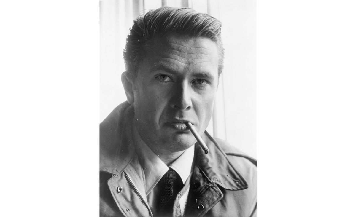 Marek Hłasko - pisarz, buntownik i łamacz serc