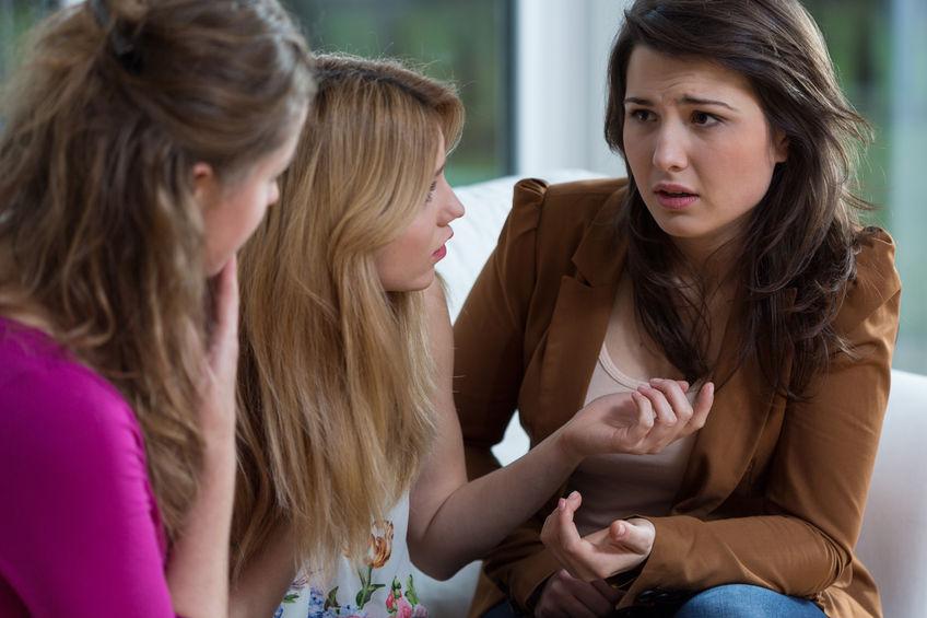 Dlaczego kobiety tak surowo oceniają same siebie?