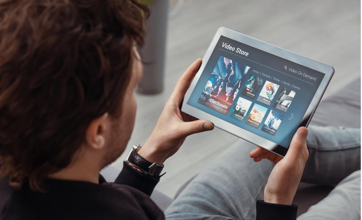 Nie tylko Netflix - gdzie legalnie oglądać filmy online?