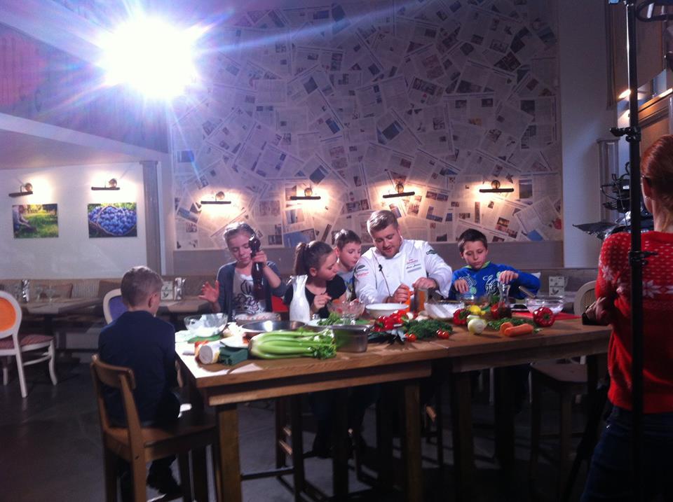 """""""Im więcej jesz, tym bardziej pomagasz"""" – akcja SOS Wioski Dziecięce w lokalach gastronomicznych"""