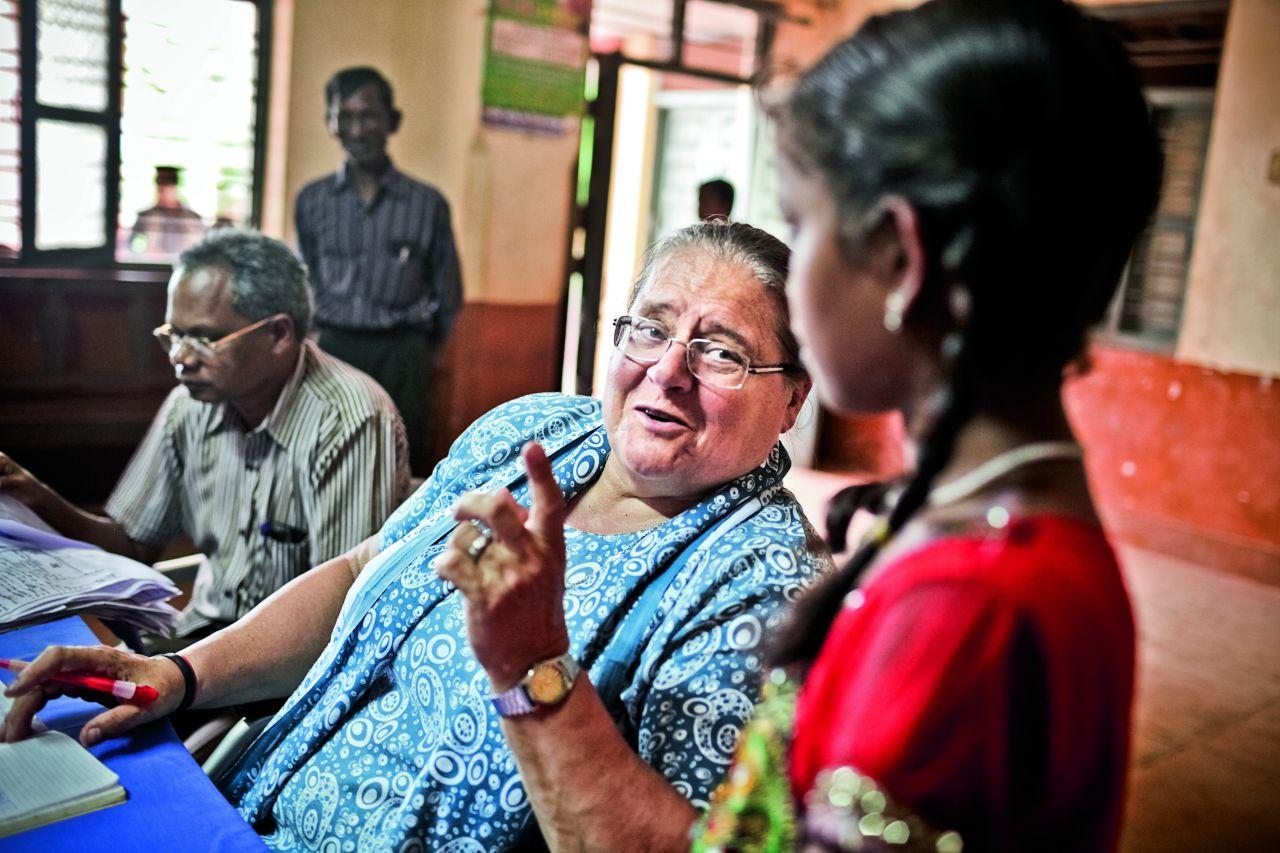 Helena mieszka w Indiach 30 lat, a stale dowiaduje się o nich czegoś nowego (Fot. Adam Rostkowski)