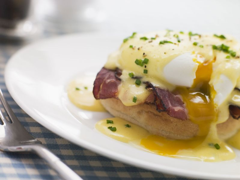 Krawczyk poleca jajko: po wiedeńsku i po benedyktyńsku