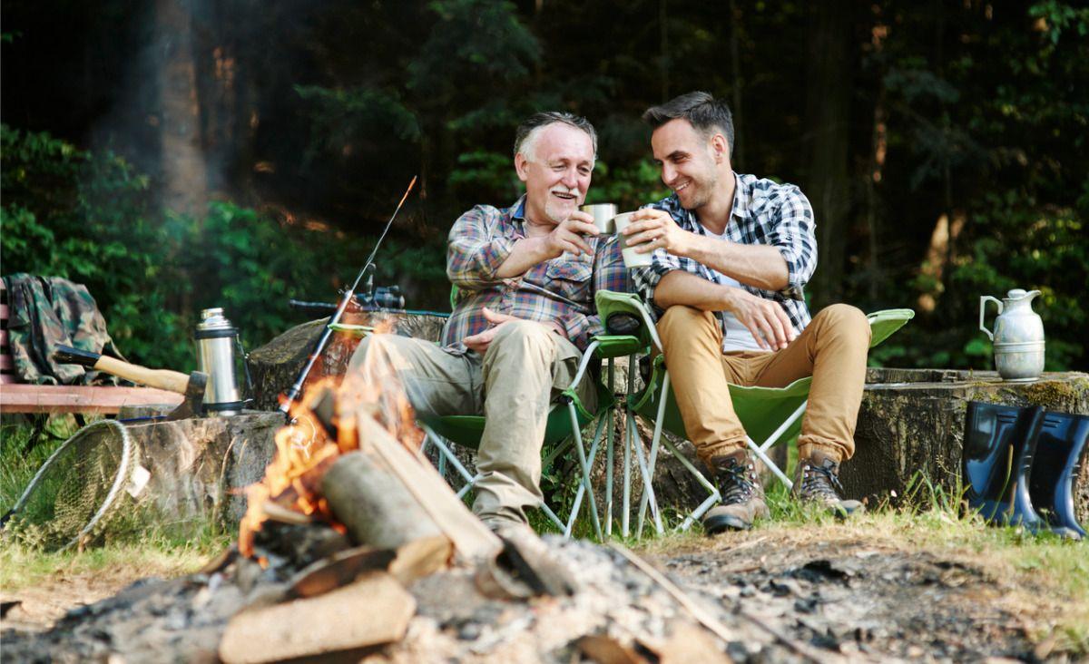 W kontaktach ojca z synem nic nie zastąpi wspólnie spędzanego czasu (fot. iStock)
