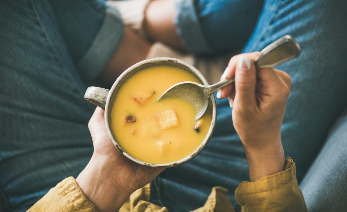 Detoks w płynie, czyli jak wykorzystać oczyszczająca naturę zup