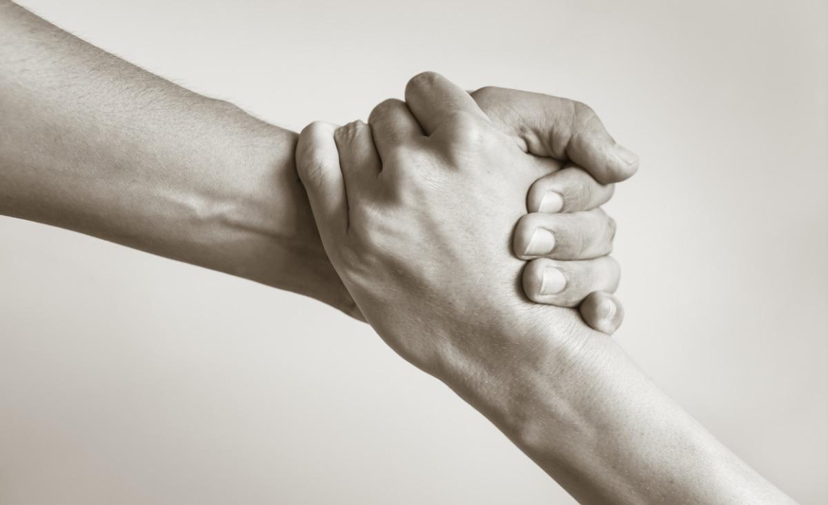 Dlaczego decydujemy się na pomaganie innym? – wyjaśnia psychoterapeutka