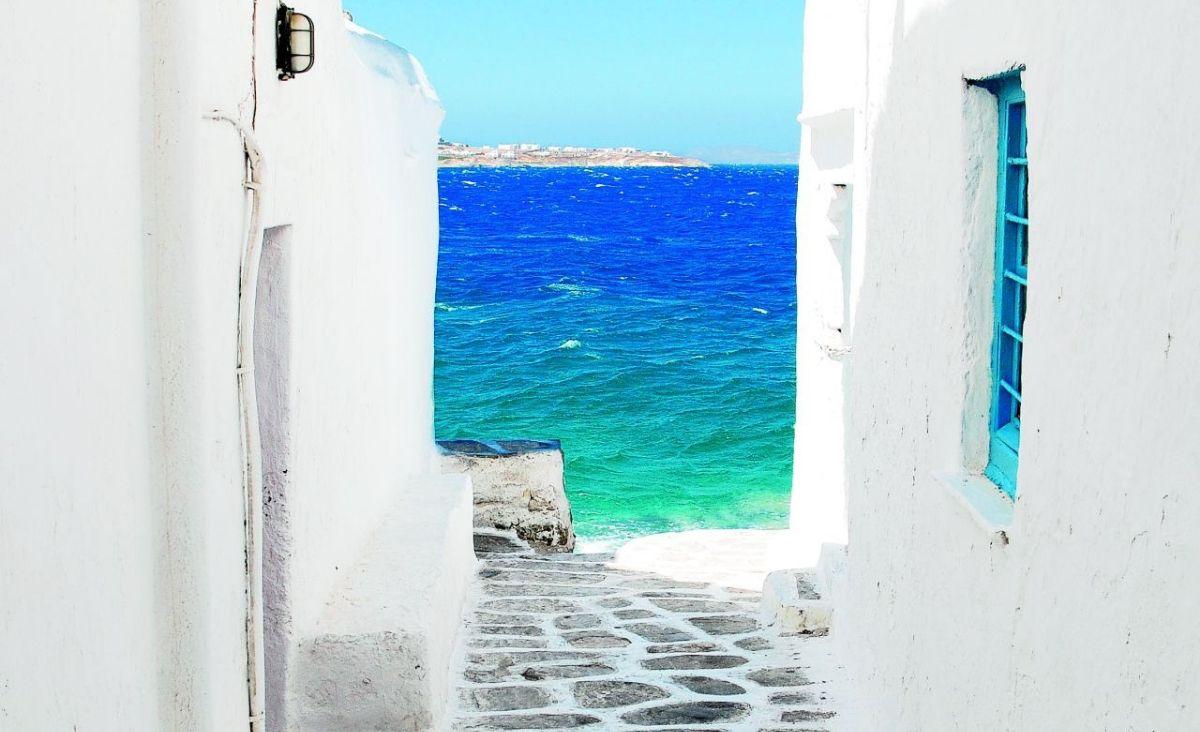 Śniadania w Grecji jada się o świcie, kiedy jest jeszcze chłodno. (Fot. Getty Images)