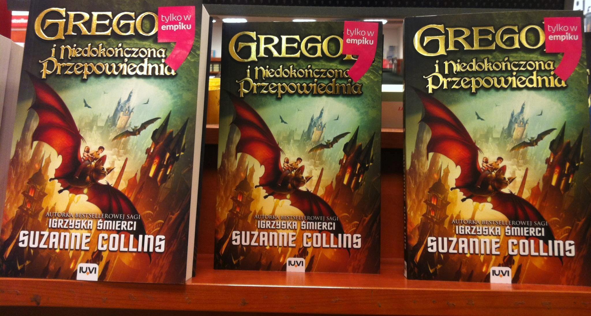 """Kwietniowe hity dla najmłodszych czytelników - """"Gregor i Niedokończona Przepowiednia"""" oraz """"Chowańce""""."""