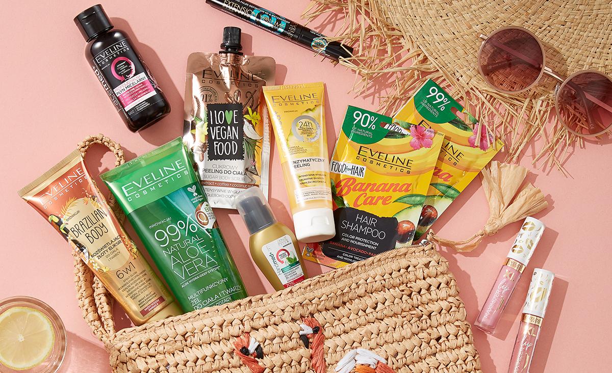 10 kosmetyków, które warto spakować do wakacyjnej kosmetyczki