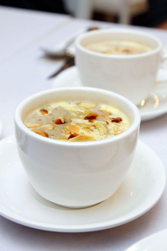 Zupa migdałowa Caro