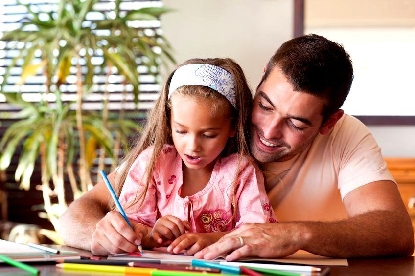 Jak skutecznie pomóc dziecku odrabiać lekcje?