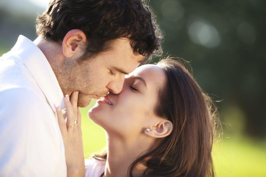 Kobieta_mezczyzna_pocalunek