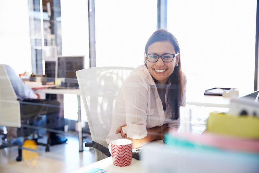 Jak osobiste poczucie szczęścia wpływa na jakość pracy?