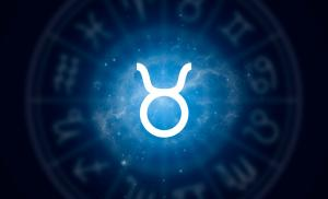 2013/12/archetyp-byka-posiadam-wiec-jestem-zodiac-sign-taurus-on-a-background-of-the-starry-sky-illustration-for-picture-id1219900574.jpg