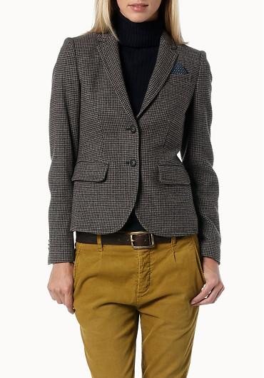 Tweed i kratka w zimowej modzie