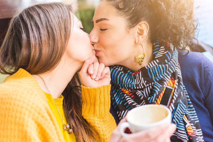 Czym różnią się związki homo- i heteroseksualne?