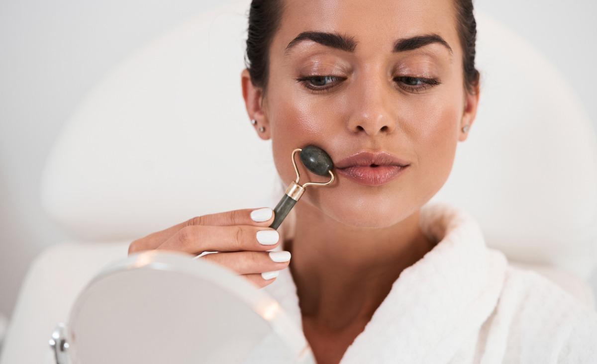 Ćwiczenia i masaże na twarz