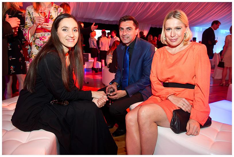 Gala Kryształowe Zwierciadła 2012, Dorota Miskiewicz (od lewej), Aga Zaryan i Remigiusz Grzela