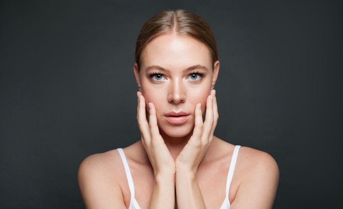 Wpływ emocji na wygląd skóry