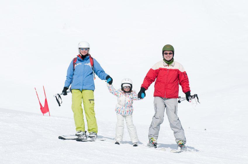 dziecko na nartach - zwierciadlo.pl