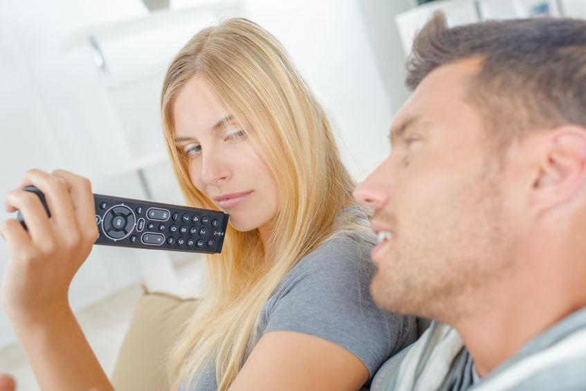 Denerwujące zachowania mężczyzn. Jak sobie z nimi poradzić?