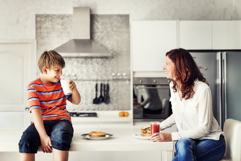 Wspólne posiłki najlepiej budują nawyki żywieniowe dzieci