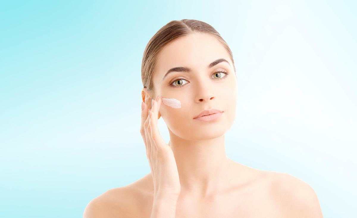 Redukcja zmarszczek – jak dobrać odpowiednie kosmetyki?