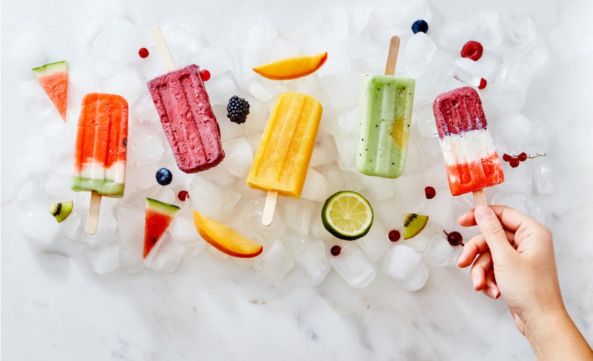 Ice pops - jak przygotować proste lody na patyku?