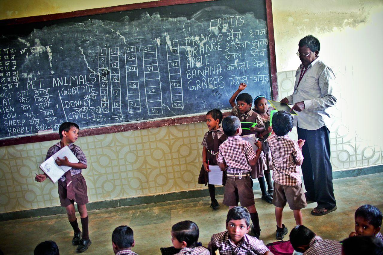 W szkole uczą się zarówno dzieci z rodzin trędowatych, jak i te zdrowe (Fot. Adam Rostkowski)