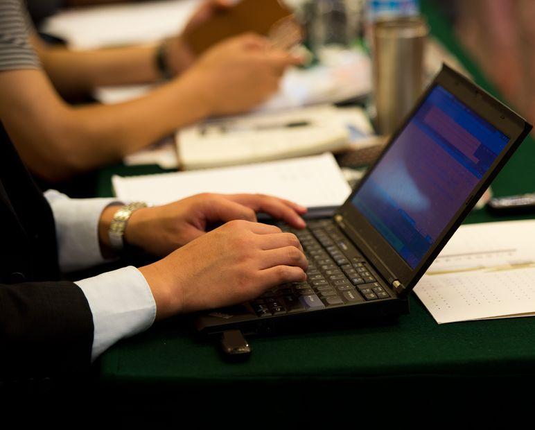 Jak pisać wypowiedzi na forum pracowniczym?