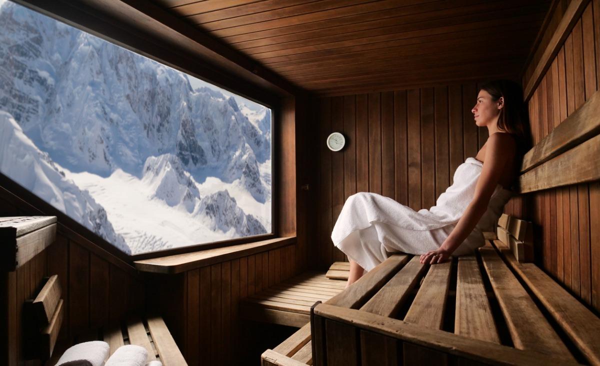 Sauna - jakie są z niej korzyści? Na co pomaga? Jak działa?