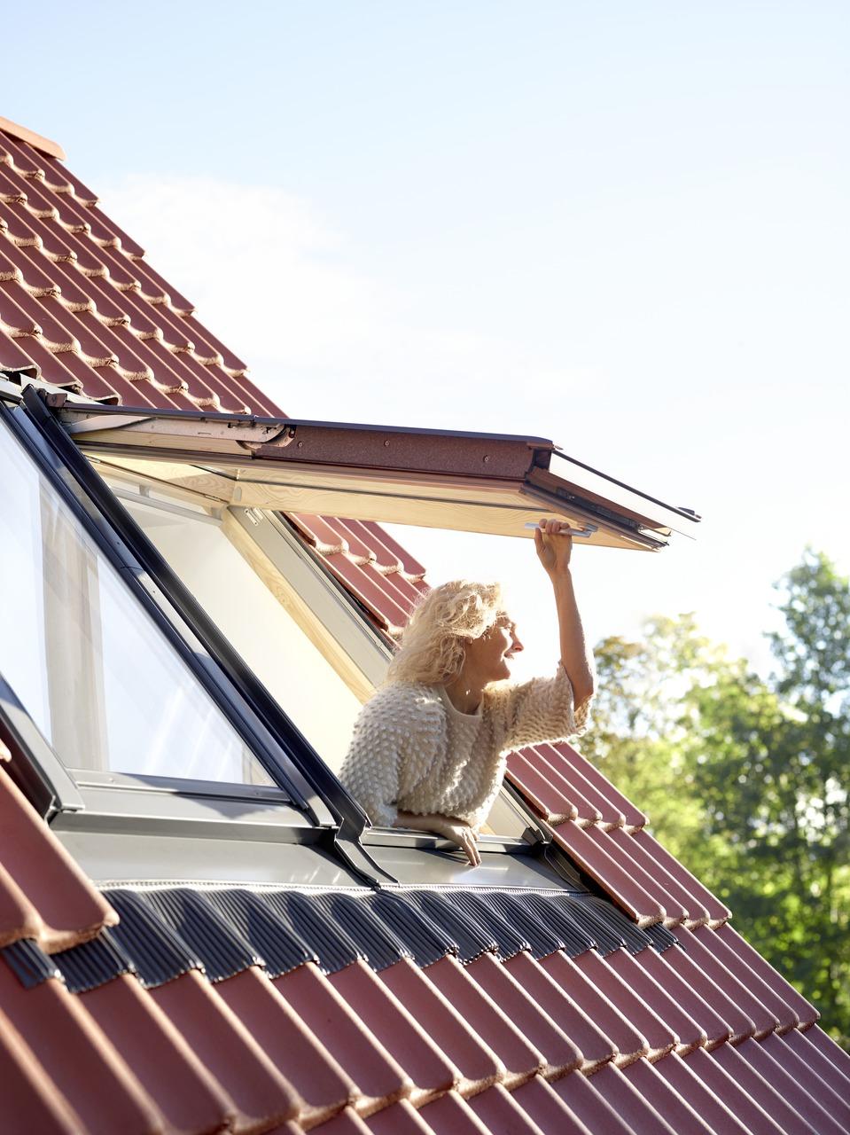 Okna dachowe – od wyboru do montażu