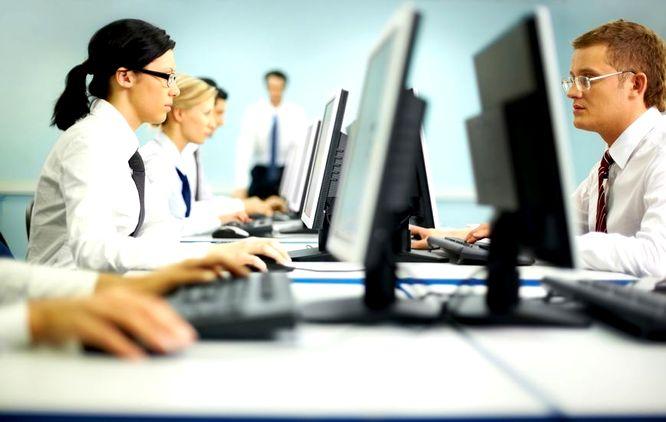 Psychologiczne skutki ostracyzmu w pracy