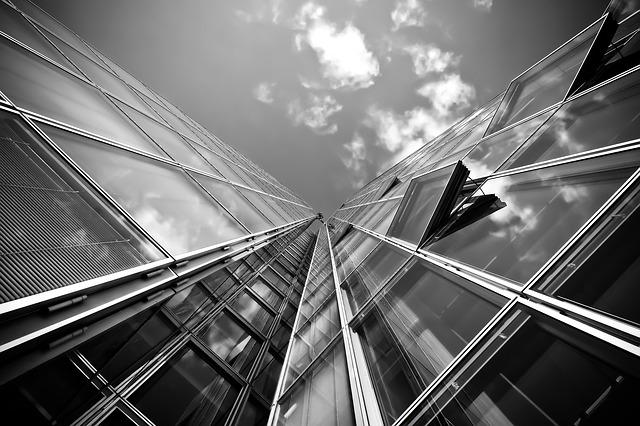 Polskie rekordy budowlane - największe, najwyższe, najdłuższe budynki