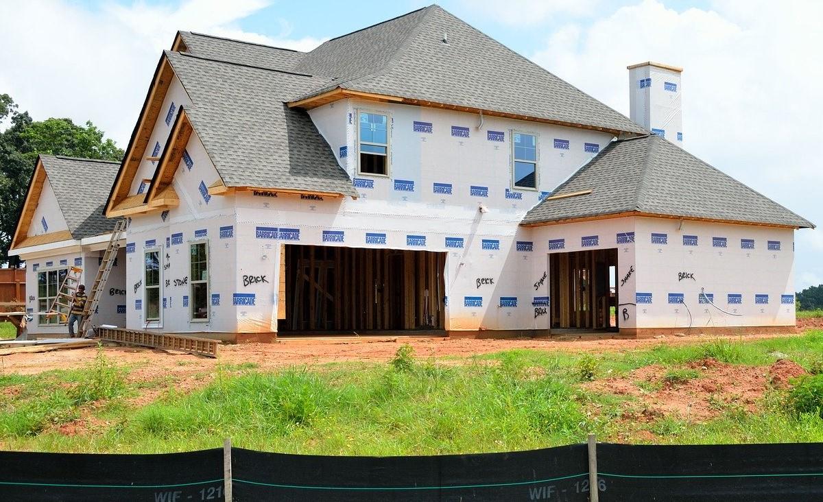 Kredyt na budowę domu — dzięki tym wskazówkom, szanse na pozytywne rozpatrzenie decyzji wzrosną