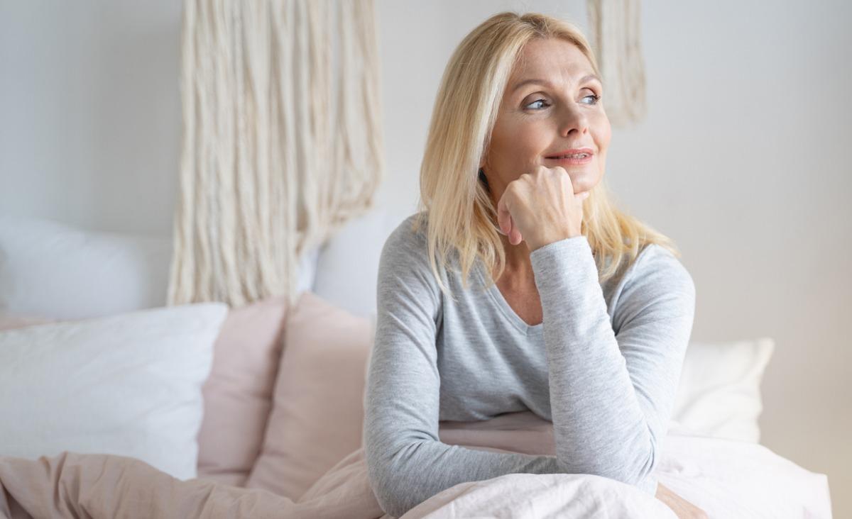 Menopauza - nowe spojrzenie na kobiecość. Jak zadbać o siebie w tym czasie?