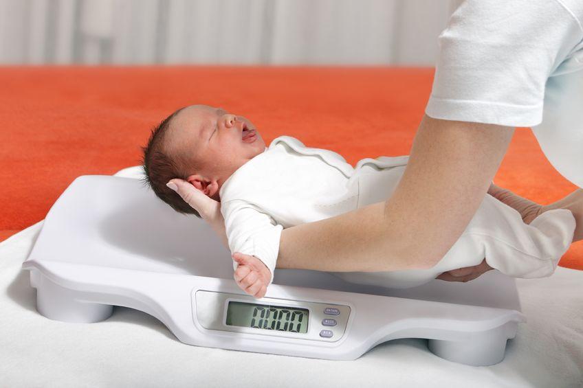 Na co wpływa niska waga urodzeniowa w dorosłym wieku?
