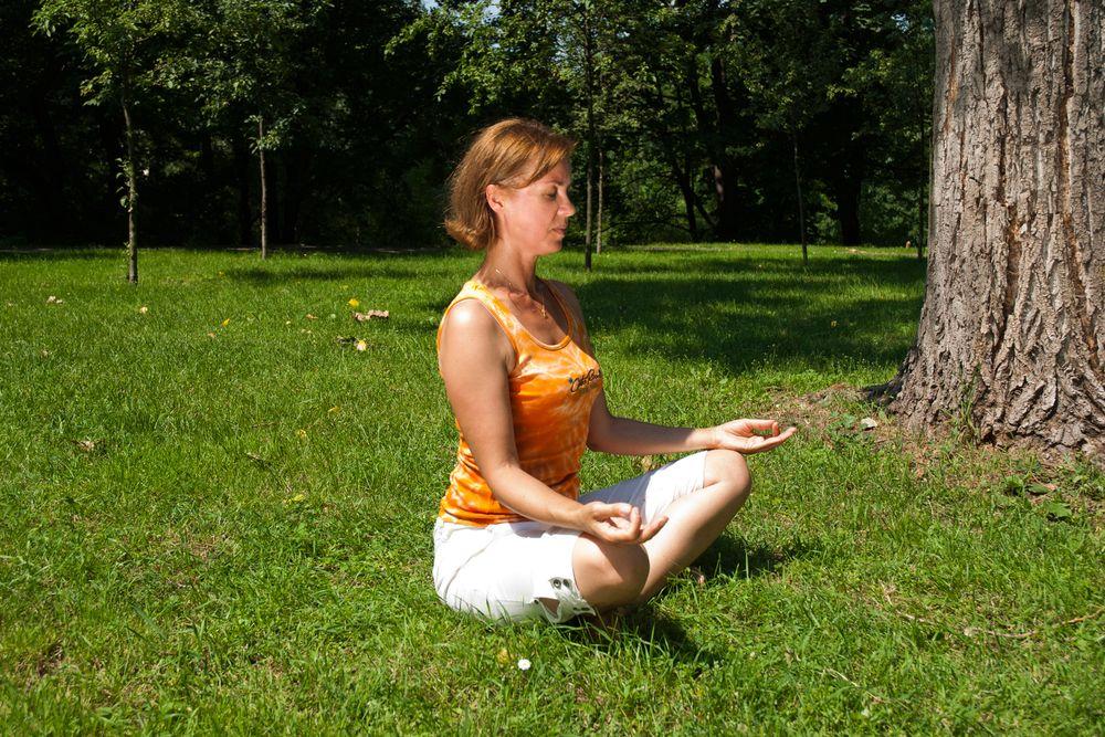 Joga w ogrodzie: medytacja w naturze