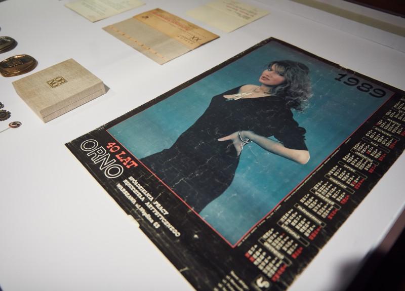 Prezentowane na wystawie biżuteria i galanteria dokumentują ponad pół wieku działalności ORNO. (Fot. M. Sieczka)