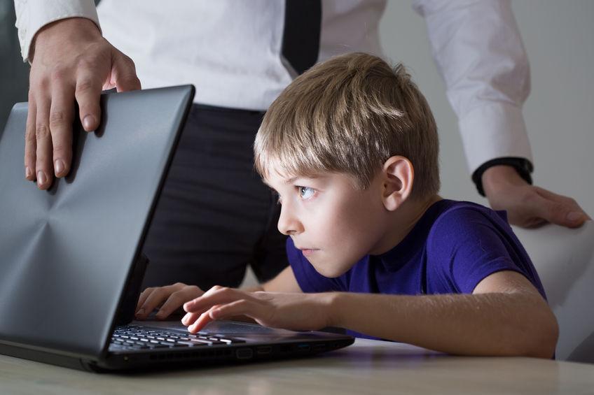 Co zrobić, gdy dziecko uzależniło się od komputera?