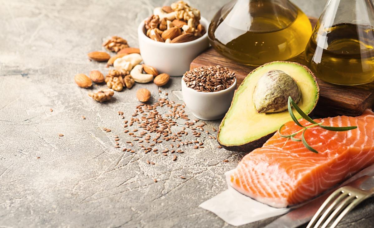 Kwasy omega-3 i omega-6 – jaką ilość powinniśmy dostarczać w codziennej diecie?