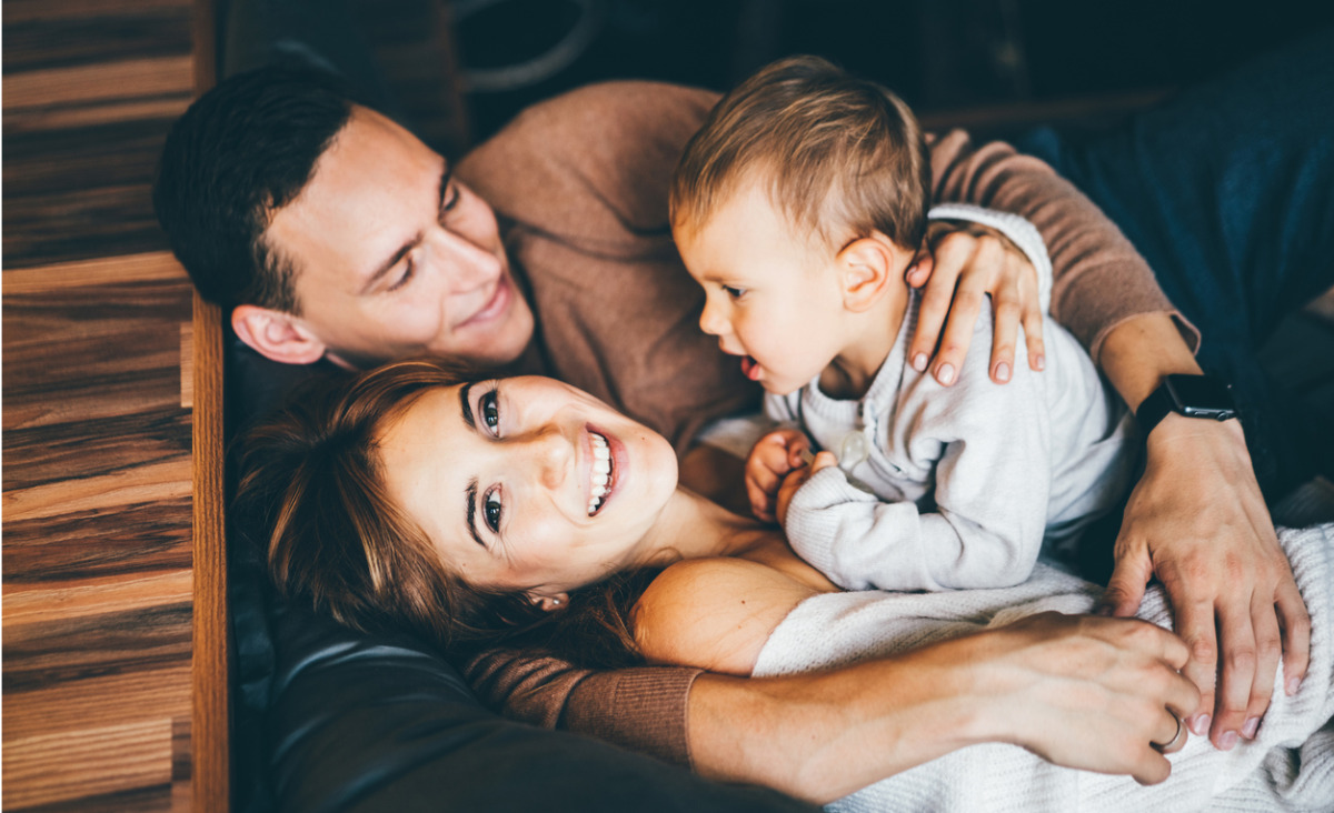 Budujemy fundamenty. Rozwój niemowlaka - jak go stymulować i wspierać?