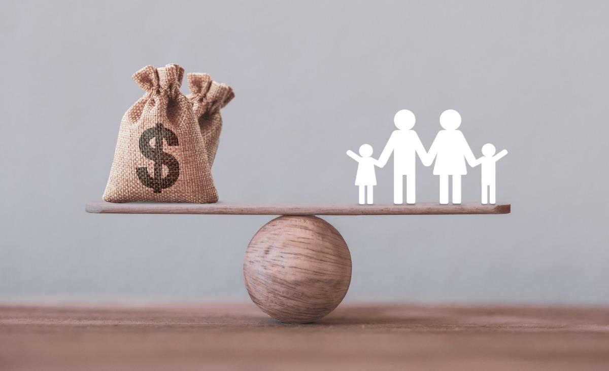 Przemoc ekonomiczna w rodzinie - jak powstrzymać kłótnie o pieniądze w małżeństwie?