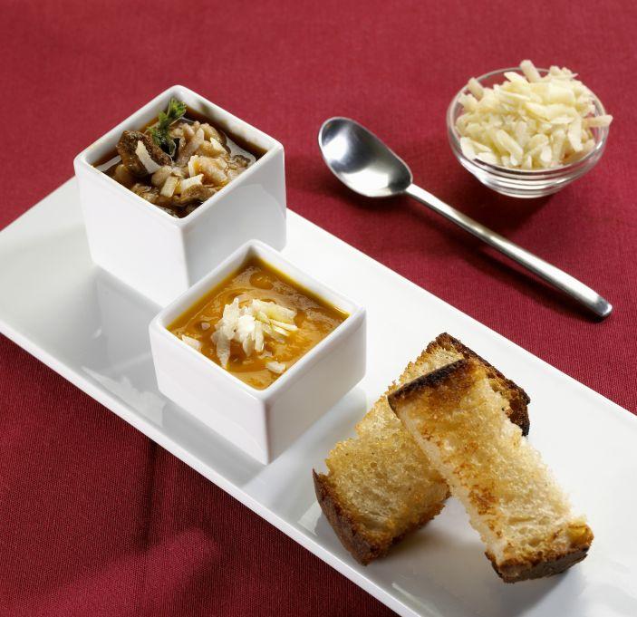 Carpaccio z dyni z malinowym sosem balsamicznym, pianką chrzanową i świeżą rukolą