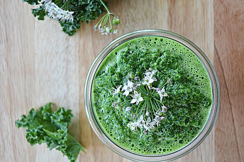 Zielony mus na jesień za kuchennymi drzwiami