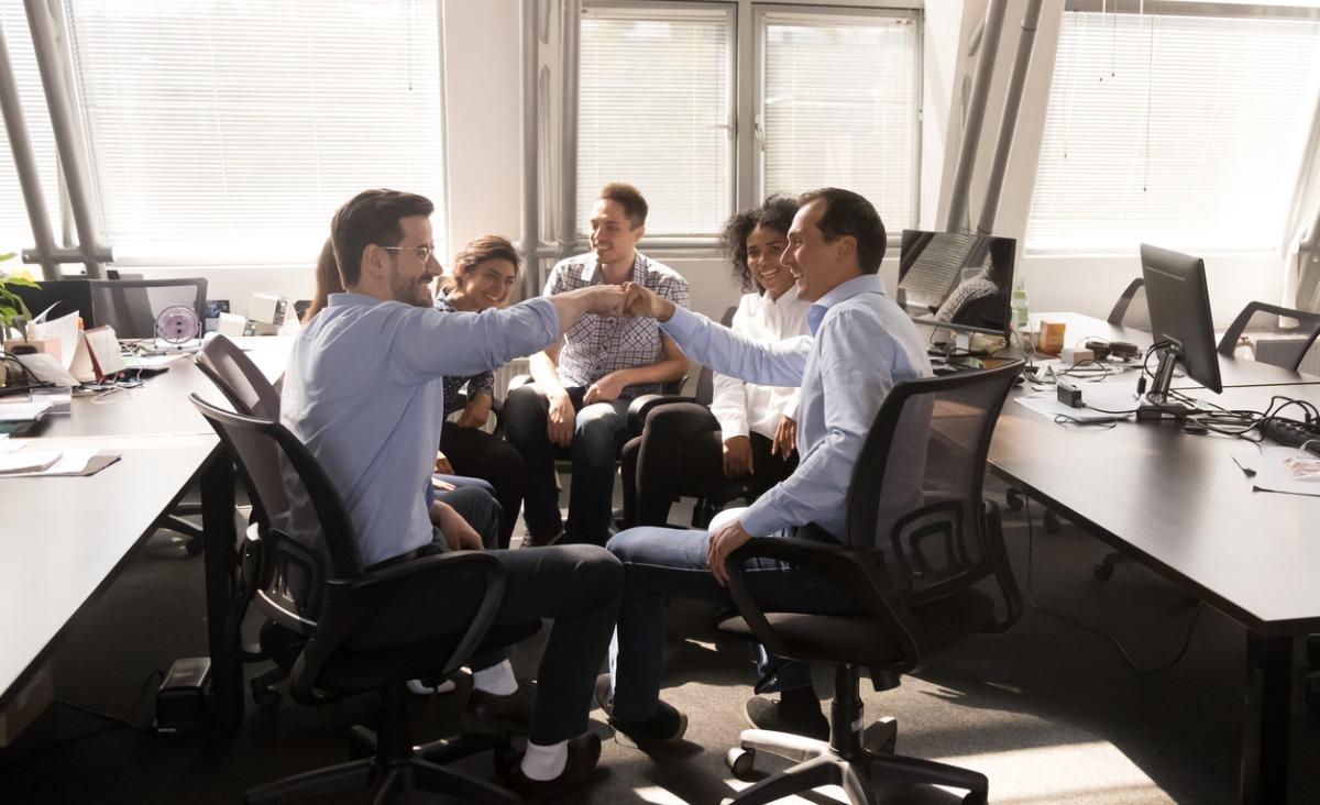 Zasady przede wszystkim. Czy kierowanie się kodeksem etycznym w pracy się opłaca?