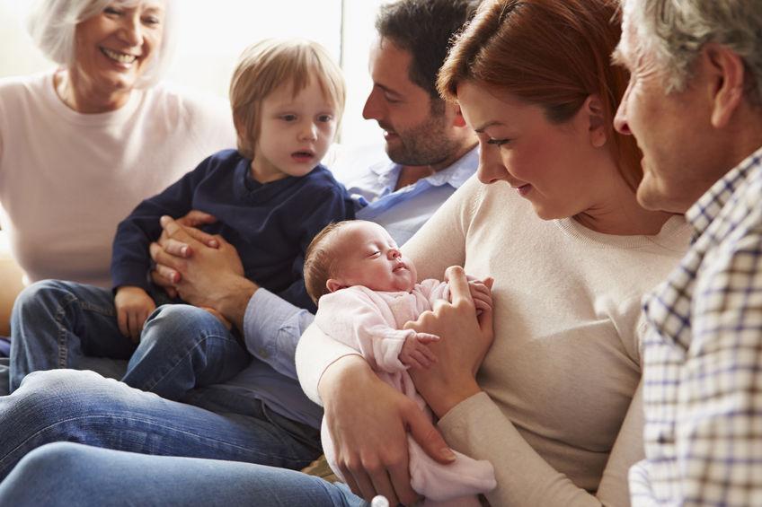 """Asertywność po porodzie. Jak się uporać z """"dobrymi"""" radami?"""