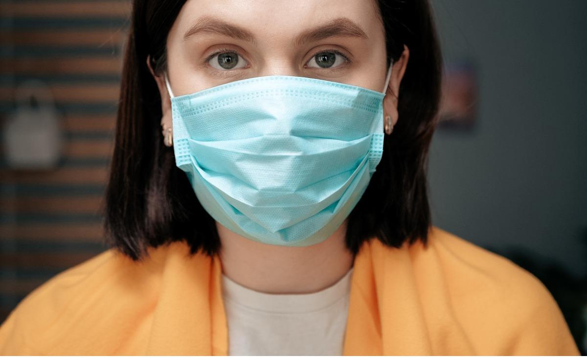 Czy noszenie masek na sens? Rozmowa z dr. Anetą Cybulą z Wojewódzkiego Szpitala Zakaźnego w Warszawie.