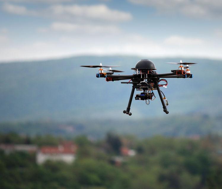 Fakty i mity o dronach